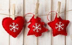 decorations-heart-christmas-tree-star-snowflakes-wallpaper-1680x1050